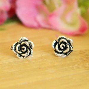 925 Sterling Silver Flower 7 mm Stud Earrings